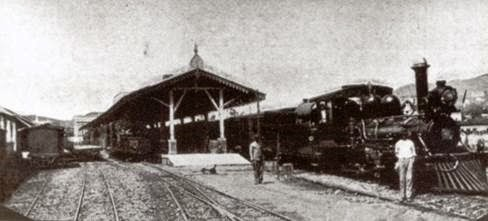 Aspecto-da-plataforma-de-embrque-desembarque-entre-1881-e-meados-da-décda-de-1910.jpg